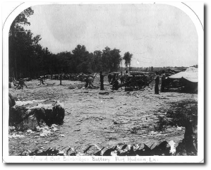 A US artillery battery behind breastworks at Port Hudson in 1863.  Library of Congress
