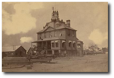US signal station on Hilton Head Island ca. 1863.  (Library of Congress)