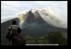 Sinabung erupting in 2010.  (Source)