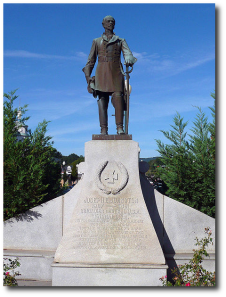 CS General Joseph Johnston's monument in Dalton, Georgia, erected in 1912.  (Wikipedia)