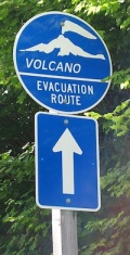 450px-Volcano_evacuation_route_sign_sml