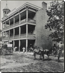 The Planter's Hotel in Nashville (photographed in 1865) became a soldier's home.  (Library of Congress)