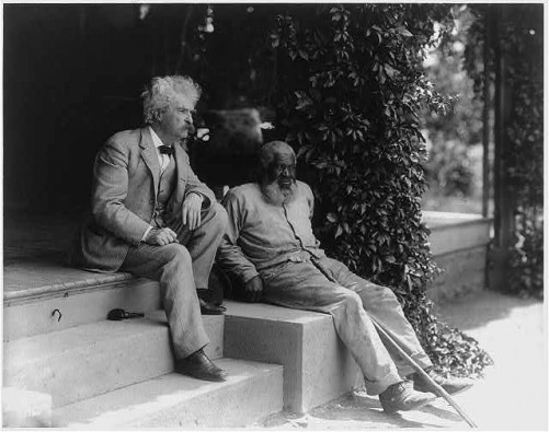 Samuel Clemens and John T. Lewis, 1903.  (Library of Congress)